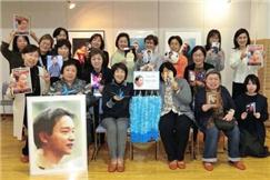 张国荣逝世周年在即 日本粉丝折912只纸鹤祈福