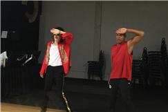 迈克尔杰克逊御用编舞师佩恩携原班团队在美国指导王杰克逊