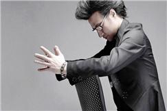 汪峰时隔两年发了新歌《那年我五岁》 单首哪够请来张专辑