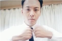 陈伟霆穿白衬衫帅气撩人 跳酷炫手指舞快到模糊
