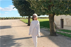 秋天就该这么穿!文咏珊巴黎度假展时尚小心机