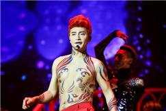 陈志朋回应造型惹争议 这是我喜欢的不喜欢就闭嘴