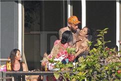 克里斯布朗被曝疑似虐待女性 前任蕾哈娜庆幸分得早