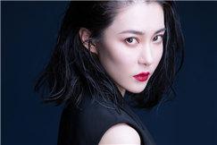 演员胡然女王范写真曝光 性感红唇展现超强气场
