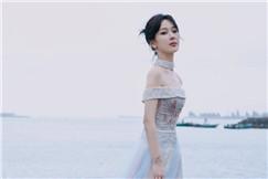杨紫仙女造型从天而降,好身材尽显气质,演技在线吊打众流量