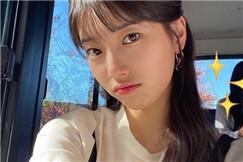 韩国女艺人秀智秀出众美貌 嘟嘟嘴自拍似学生妹